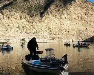 Pesca al pantà de Riba-roja